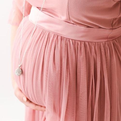 Wisiorek bola - biżuteria ciążowa